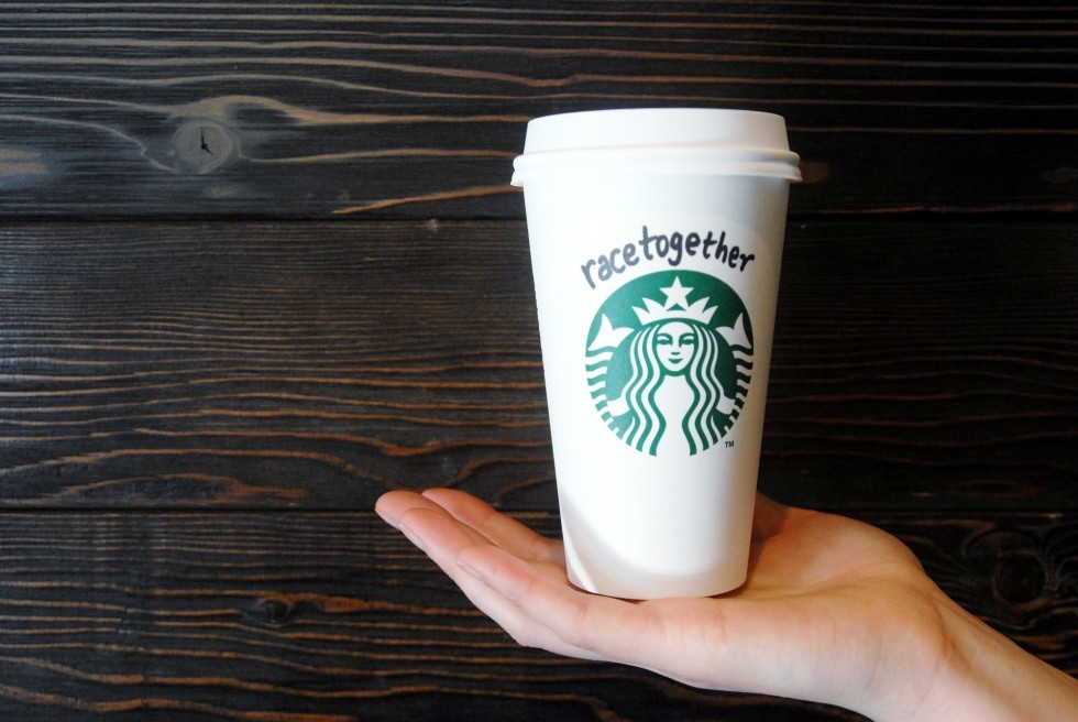 Starbucks-ends-Race-Together-coffee-cup-campaign