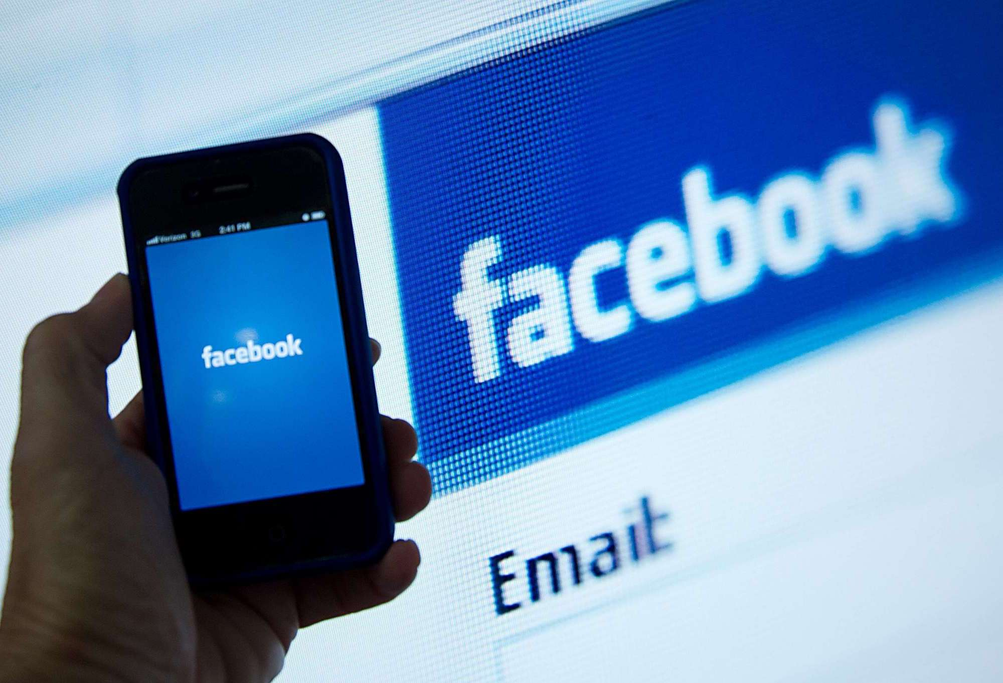 Facebook-to-serve-divorce-papers