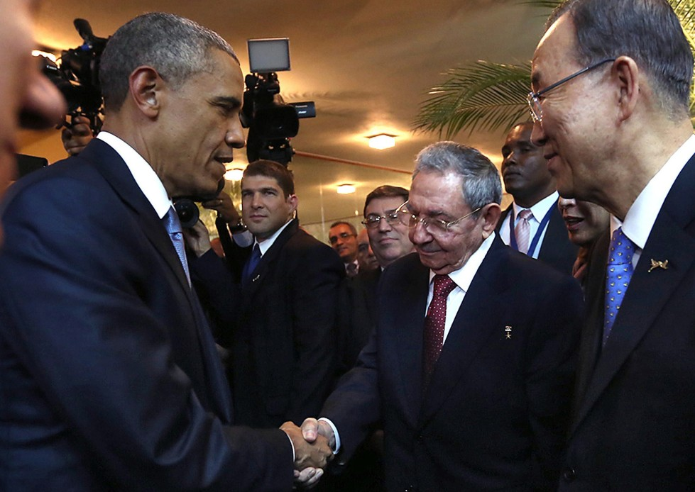 Obama-holds-historic-meeting-with-Cubas-Castro